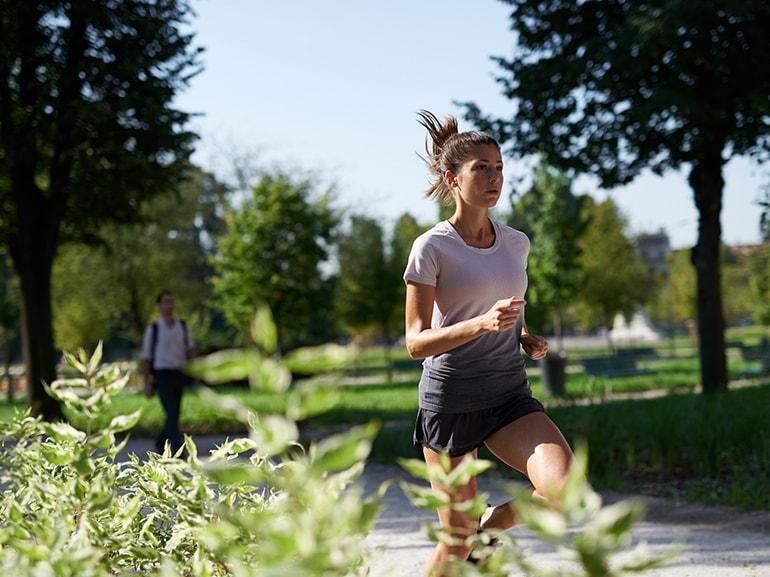 eseguire-una-sessione-di-rullata-tacco-punta-adidas-runners-running-sport-benessere