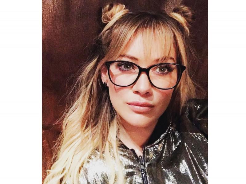 hillary-duff-occhiali