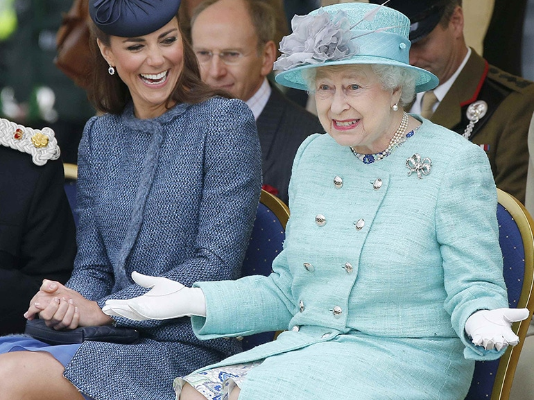 kate middleton regina elisabetta