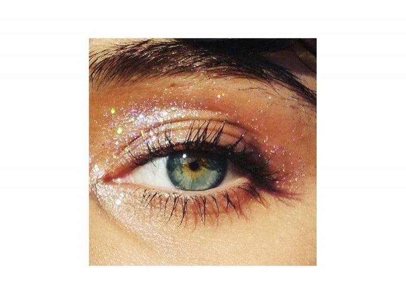 trucchi occhi glitter per la stagione dei festival (12)