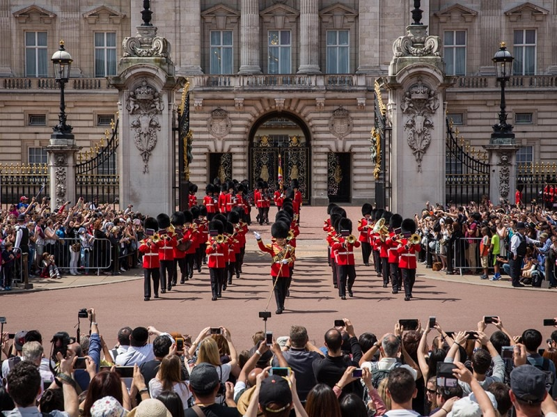 Buckingham Palace Faces ?150 Million Of Repairs
