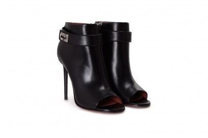 Givenchy-boots