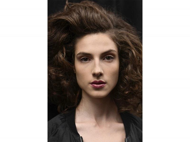 Glitter-make-up-pe-2017Chiara-Boni-La-Petite-Robe_bst_W_S17_NY_025_2521661