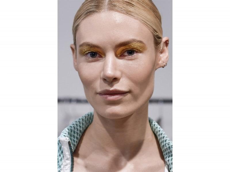 Glitter-make-up-pe-2017Custo-Barcelona_bst_W_S17_NY_044_2475350