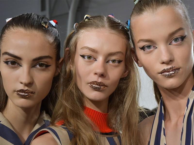 Glitter-make-up-pe-2017Fendi_bst_W_S17_MI_082_2499092