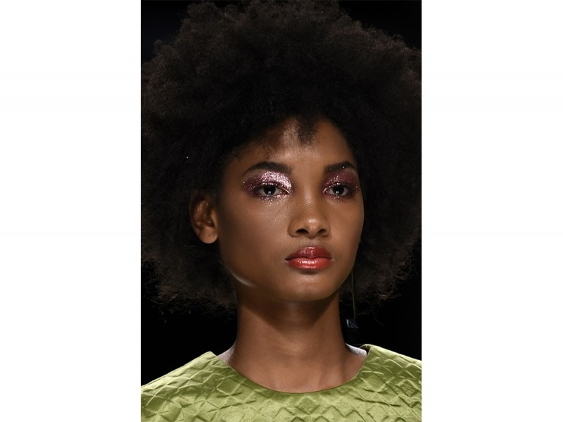 Glitter-make-up-pe-2017Glitter-make-up-pe-2017Aigner_clp_W_S17_MI_071_2530121