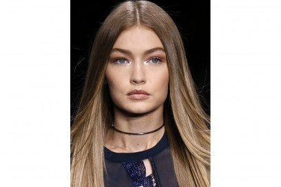 Glitter-make-up-pe-2017Versace_clp_W_S17_MI_074_2524823