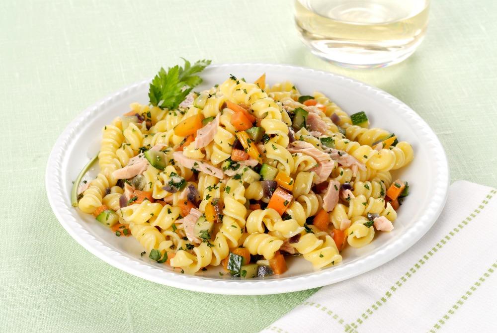 Pasta con tonno zucchine e carote