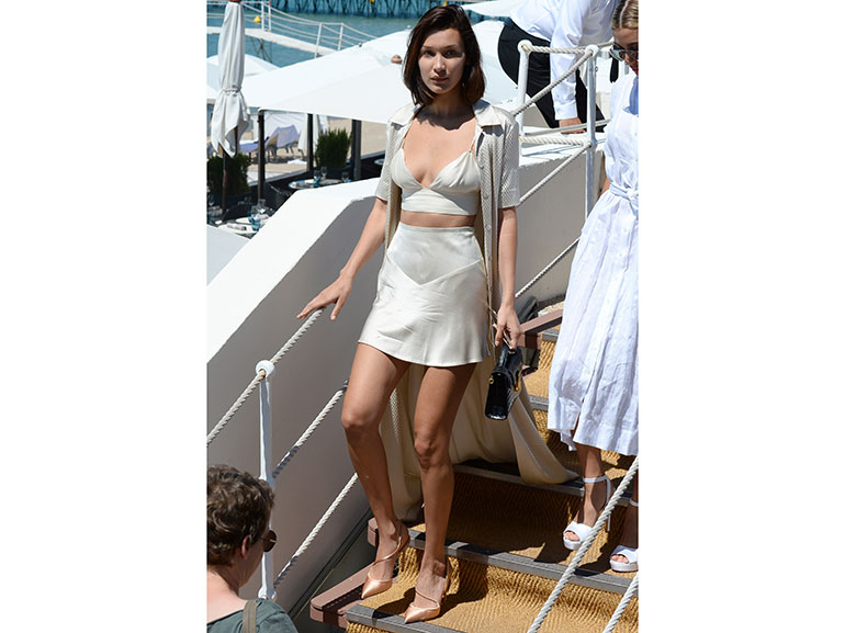 bella-hadid-cannes-daylook