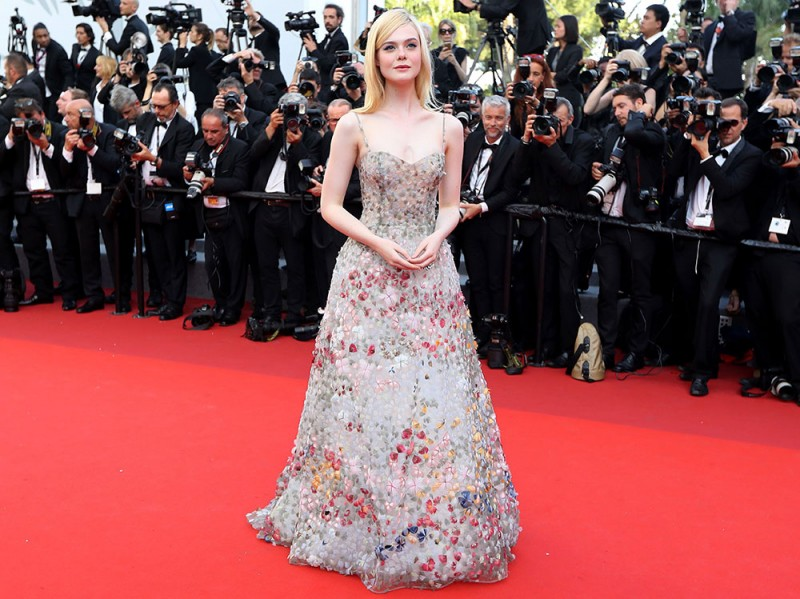 elle-fanning-cannes-day-6