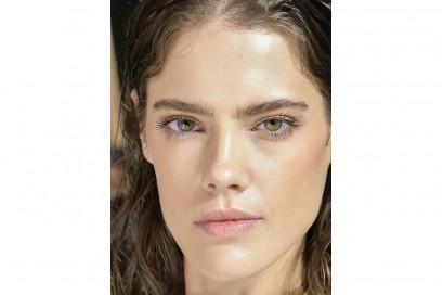 glossy-makeup-pe2017_Les-Copains_bst_W_S17_MI_029_2525368
