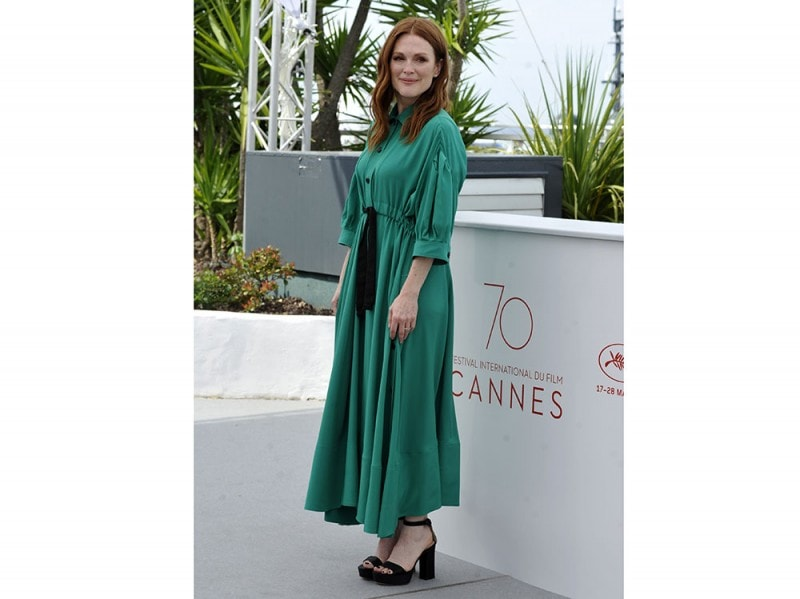 julianne-moore-cannes-daylook2