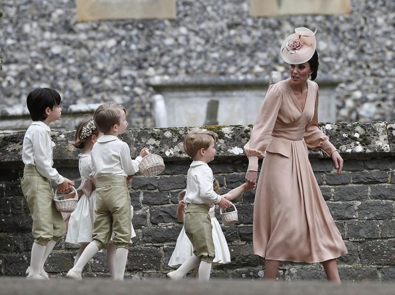Matrimonio Kate Middleton : Pippa middleton sposa con un abito da principessa grazia