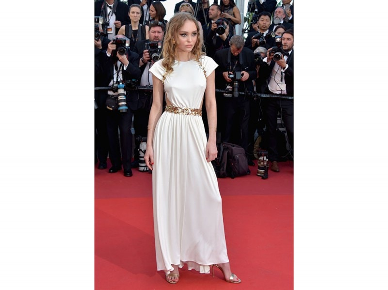 lily-rose-depp-cannes-17-giorno-1