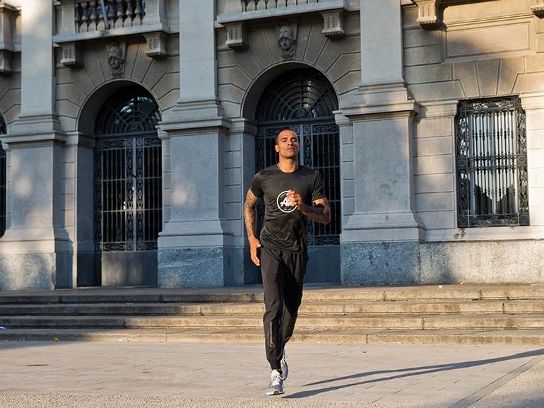 Andrew-Howe-atleta-record-italiano-salto-in-lungo-corsa-running-sport-adidas-MOBILE