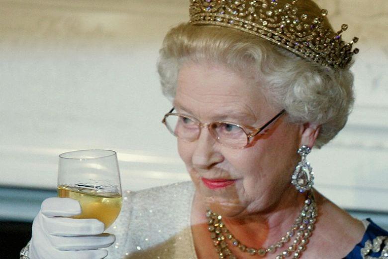 La Regina Elisabetta ha mai mangiato la pizza?
