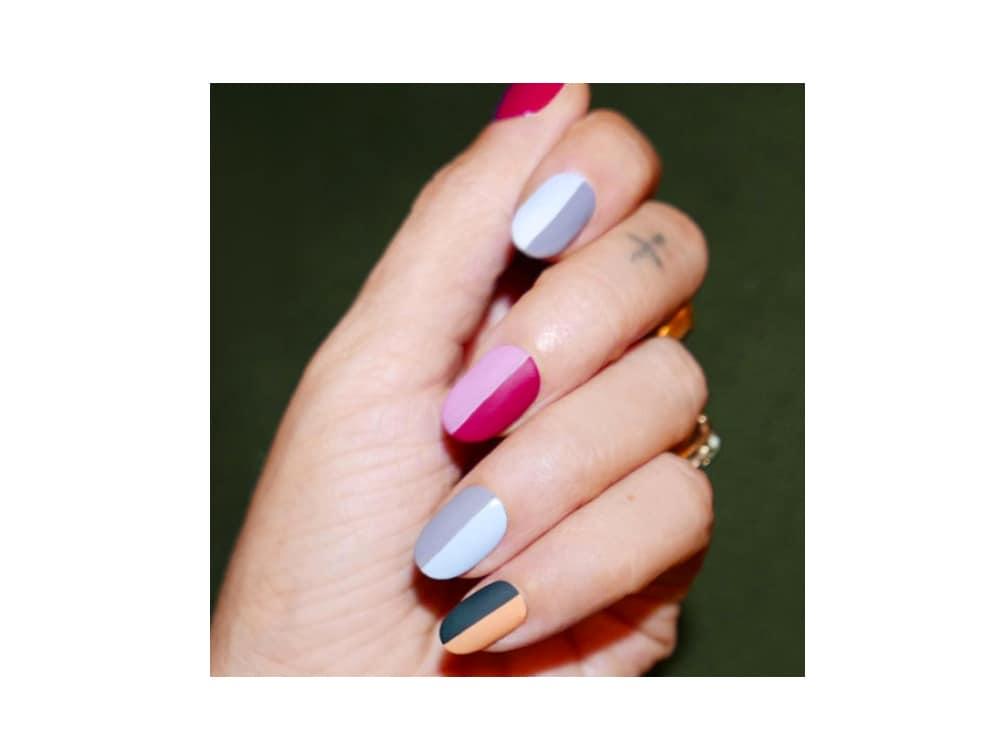 unghie estive colorate
