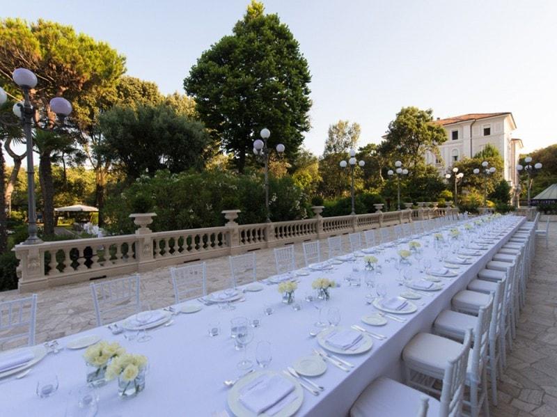 A1_Table-Setting-at-The-Grand-Hotel-Rimini
