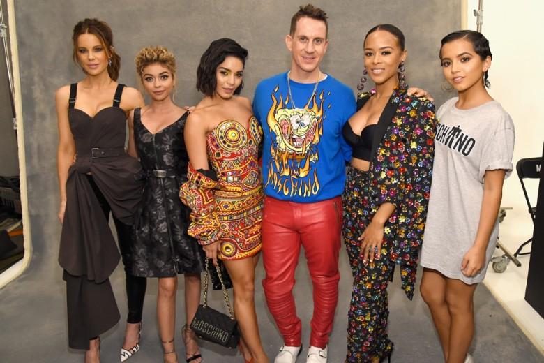 Moschino: a Los Angeles sfila la Resort 2018 tra star e celeb