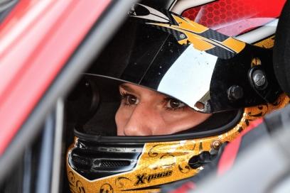 Siamo le donne che corrono in Ferrari