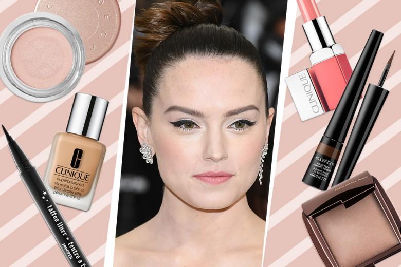 Copia il beauty look anti caldo di Daisy Ridley con eyeliner protagonista
