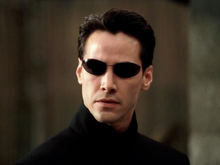 curiosita-Keanu-Charles-Reeves-passioni-moto-auto-gioie-dolori-buone-azioni-divo-Hollywood-bello-affascinante-sex-symbol-Matrix