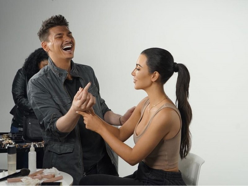 kkw-beauty-kim-kardashian-make-up-contouring-05