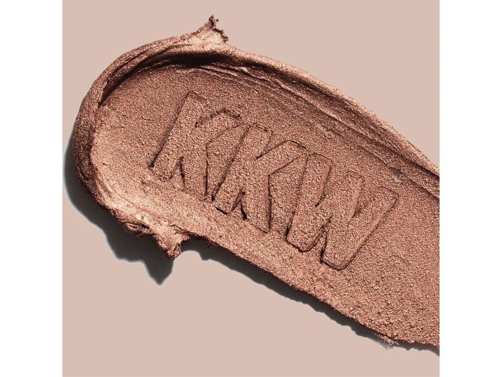 kkw-beauty-kim-kardashian-make-up-contouring-09
