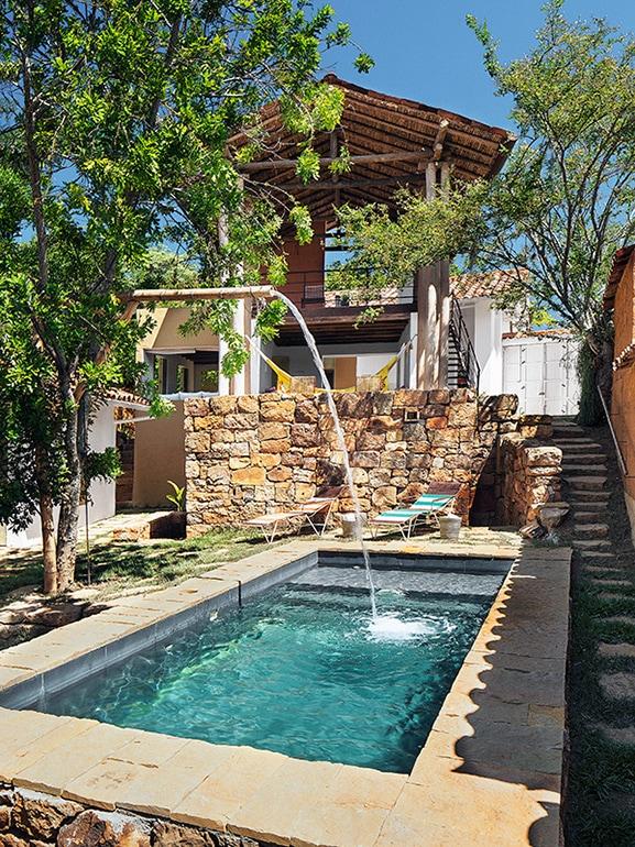10-10-piscine-perfette-anche-per-giardini-più-piccoli