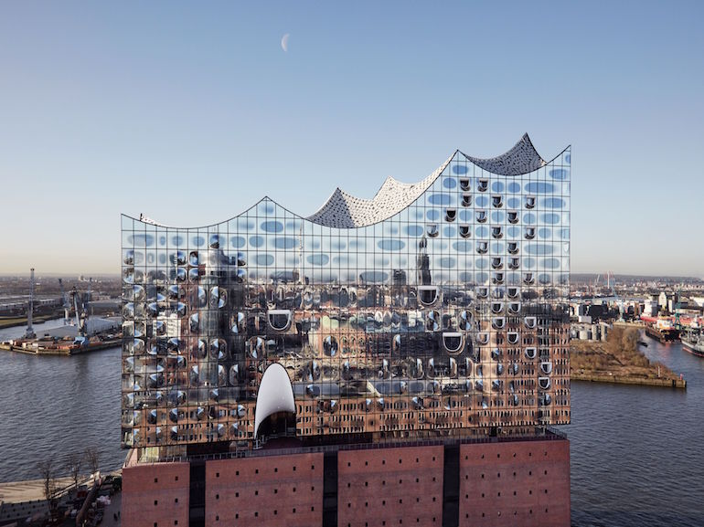 Elbphilharmonie Amburgo credits Hamburg Tourismus