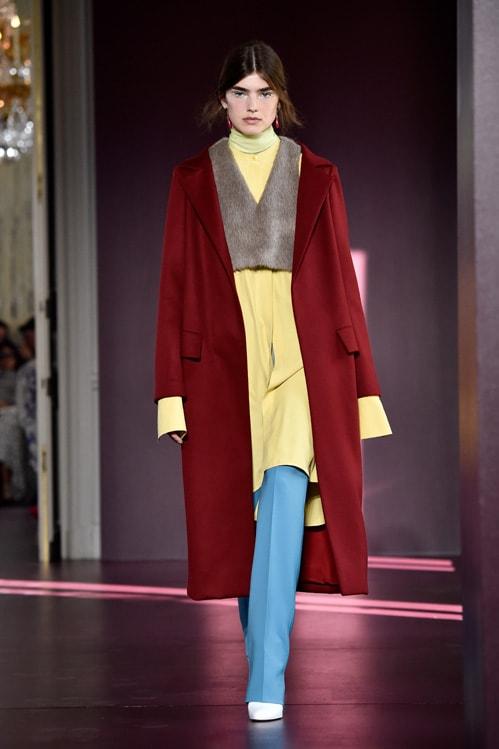 Valentino : Runway – Paris Fashion Week – Haute Couture Fall/Winter 2017-2018