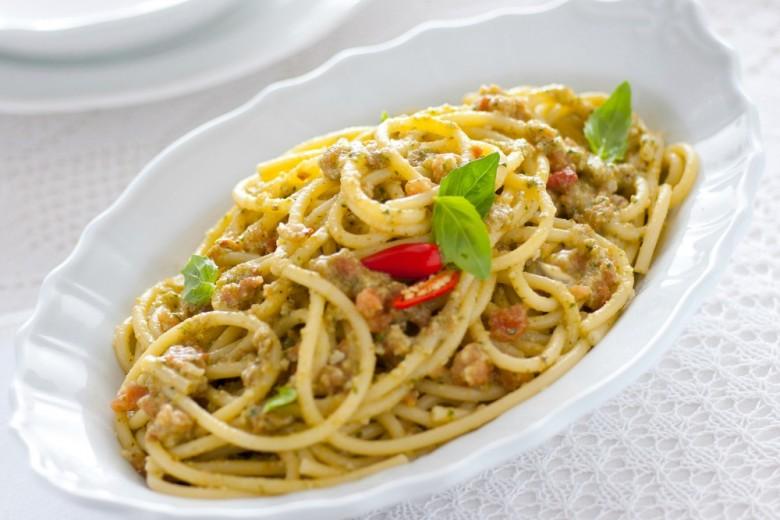 Pesto trapanese alla siciliana