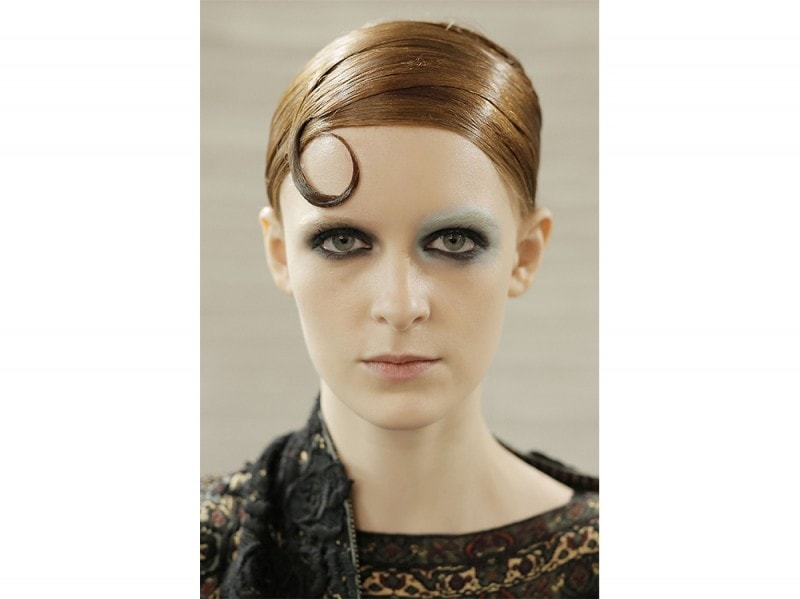 capelli la tendenza flat sleek per l'autunno inverno 2017 2018  (2)