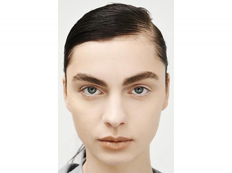 capelli la tendenza flat sleek per l'autunno inverno 2017 2018  (5)