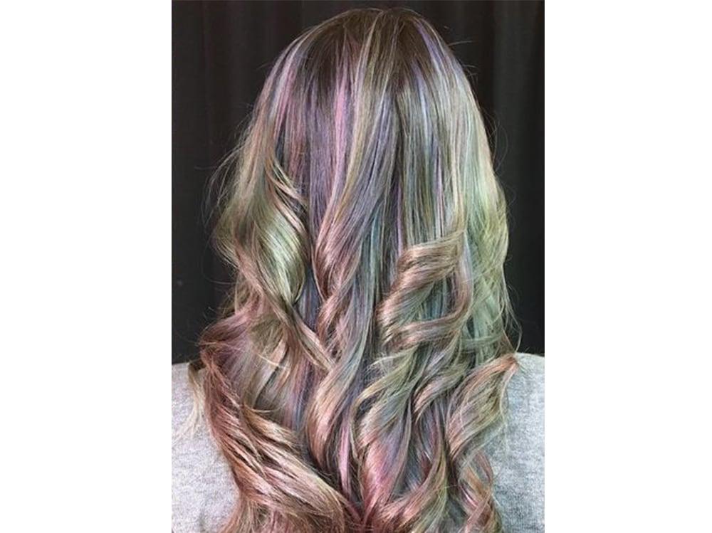 capelli pear hair tinta perlata grigio lilla verde pastello cangiante (3)