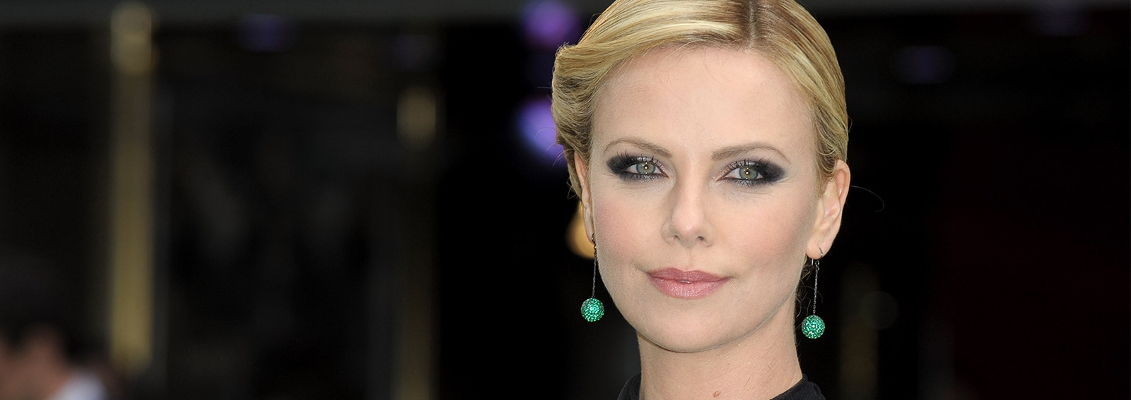 cover charlize theron ha nuovo amore desktop