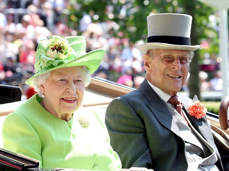 cover regina elisabetta principe filippo matrimonio mobile