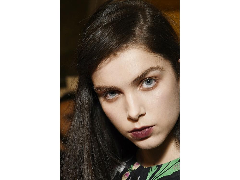 labbra dark da sfilata il trend rossetto scuro autunno inverno 2017 2018  (3)