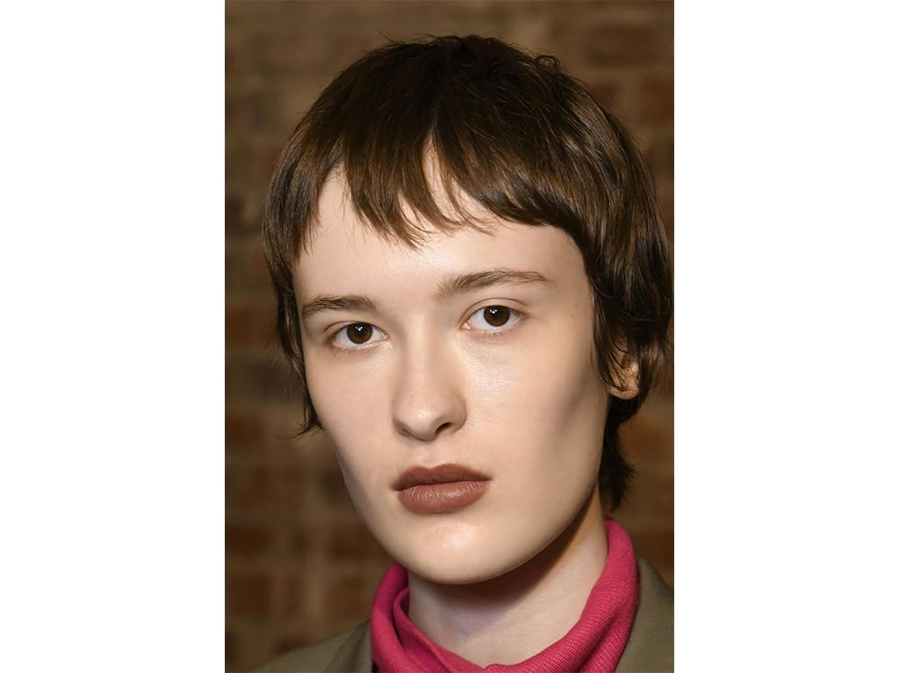 tagli capelli corti sfilate tendenze autunno inverno 2017 2018  (15)