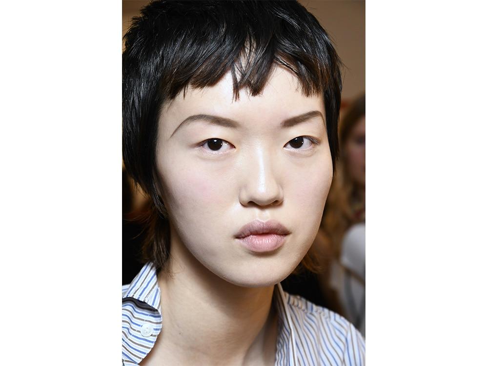 tagli capelli corti sfilate tendenze autunno inverno 2017 2018  (3)