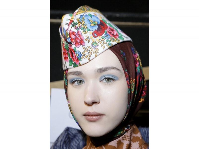 trucco blu la tendenza makeup autunno inverno 2017 2018  (10)