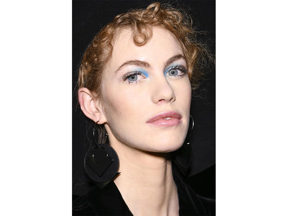 trucco blu la tendenza makeup autunno inverno 2017 2018  (4)