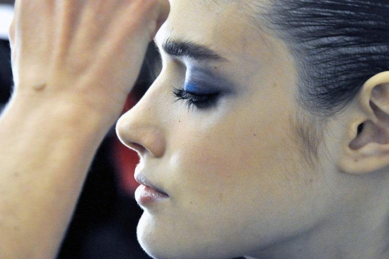 Smokey eyes in blu elettrico con Giorgio Armani Beauty