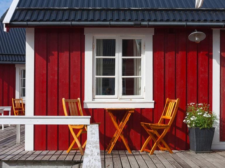 Le case rosse di Reine Norvegia