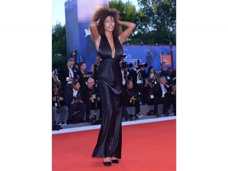 Tina-Kunakey-venezia-red-carpet