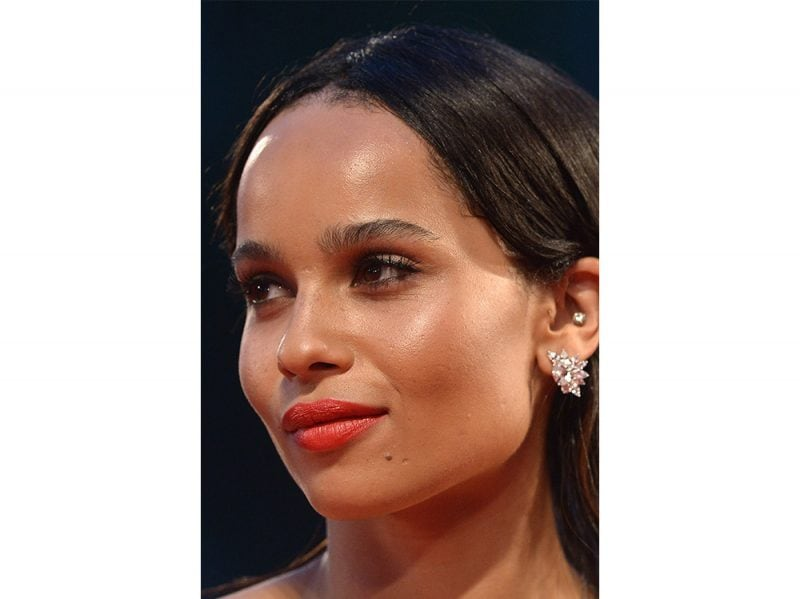 zoe kravitz evoluzione beauty look make up capelli (11)