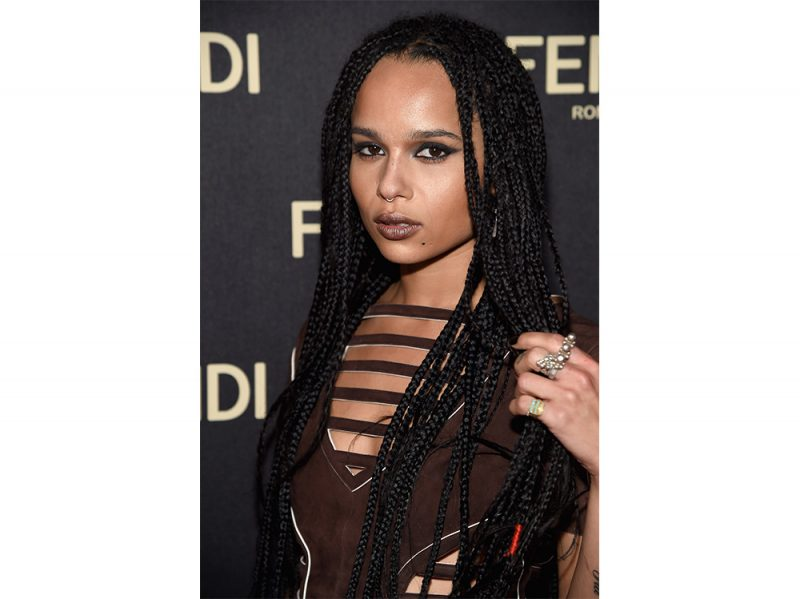 zoe kravitz evoluzione beauty look make up capelli (12)