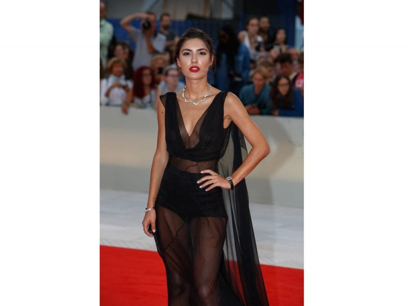 1-Patricia-Manfield-wearing-Rendez-Vous-74-Mostra