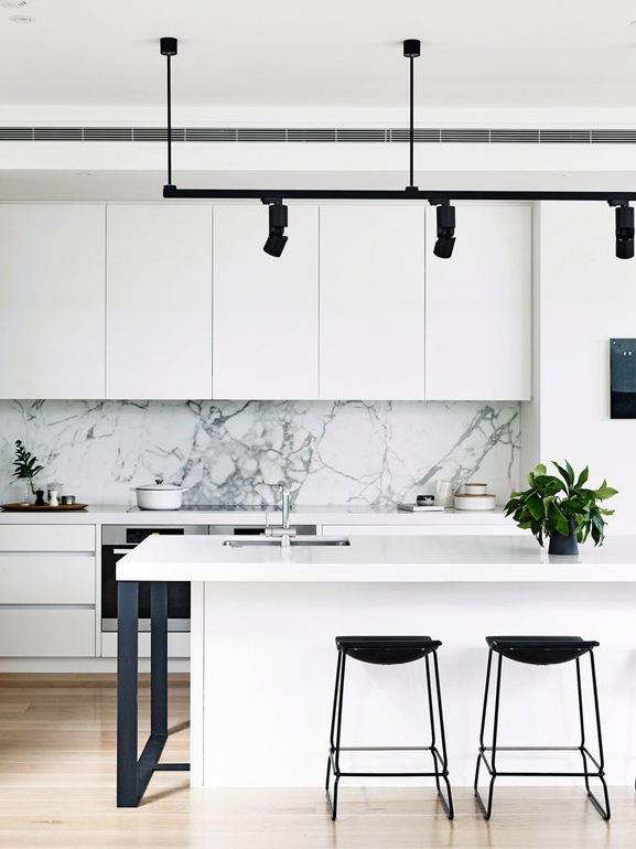 10-Quando-la-cucina-total-white-trucchi-accortezze