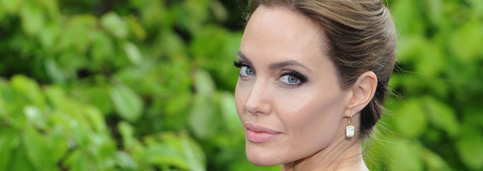 Angelina-Jolie-cover-desktop